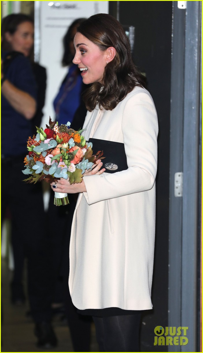 kate middleton supports fellow pregnant moms at rescheduled family action visit 113987298