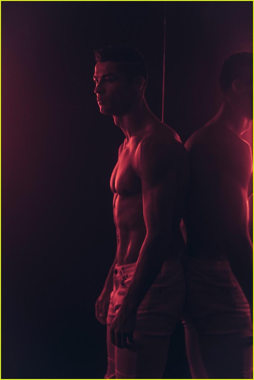 cristiano ronaldo looks so hot in new future of denim campaign 043991818