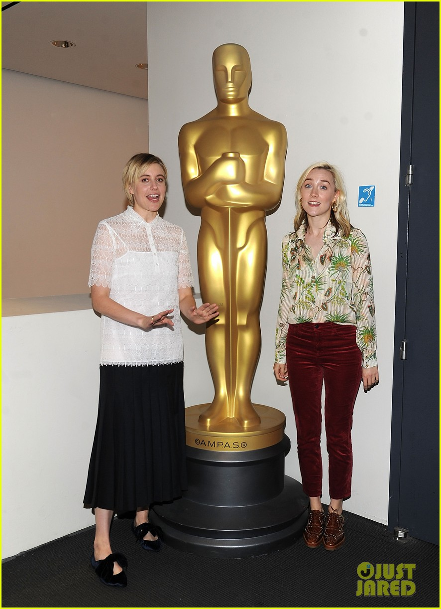 greta gerwig says her directorial debut lady bird wrote itself 133984265