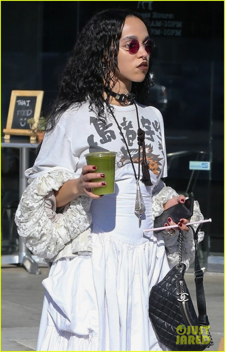 fka twigs out about los angeles 053987923