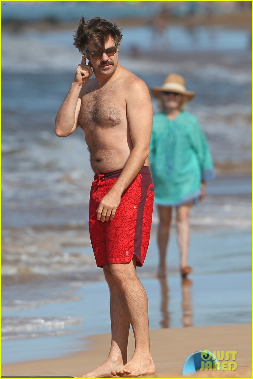 olivia wilde jason sudeikis show off their beach bodies on vacation in maui 043991983