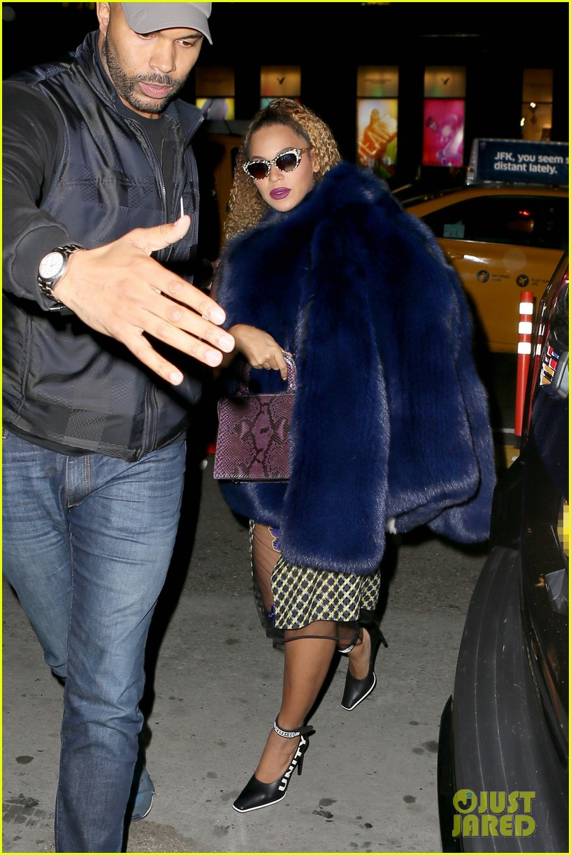 beyonce channels vintage hollywood glamour while celebrating jay zs 48th birthday2 053997043