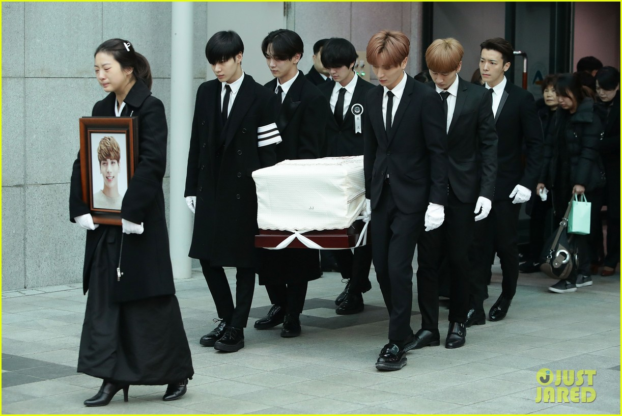Jonghyun's Funeral Attended By His SHINee Bandmates: Photo ... Tom Cruise Dating