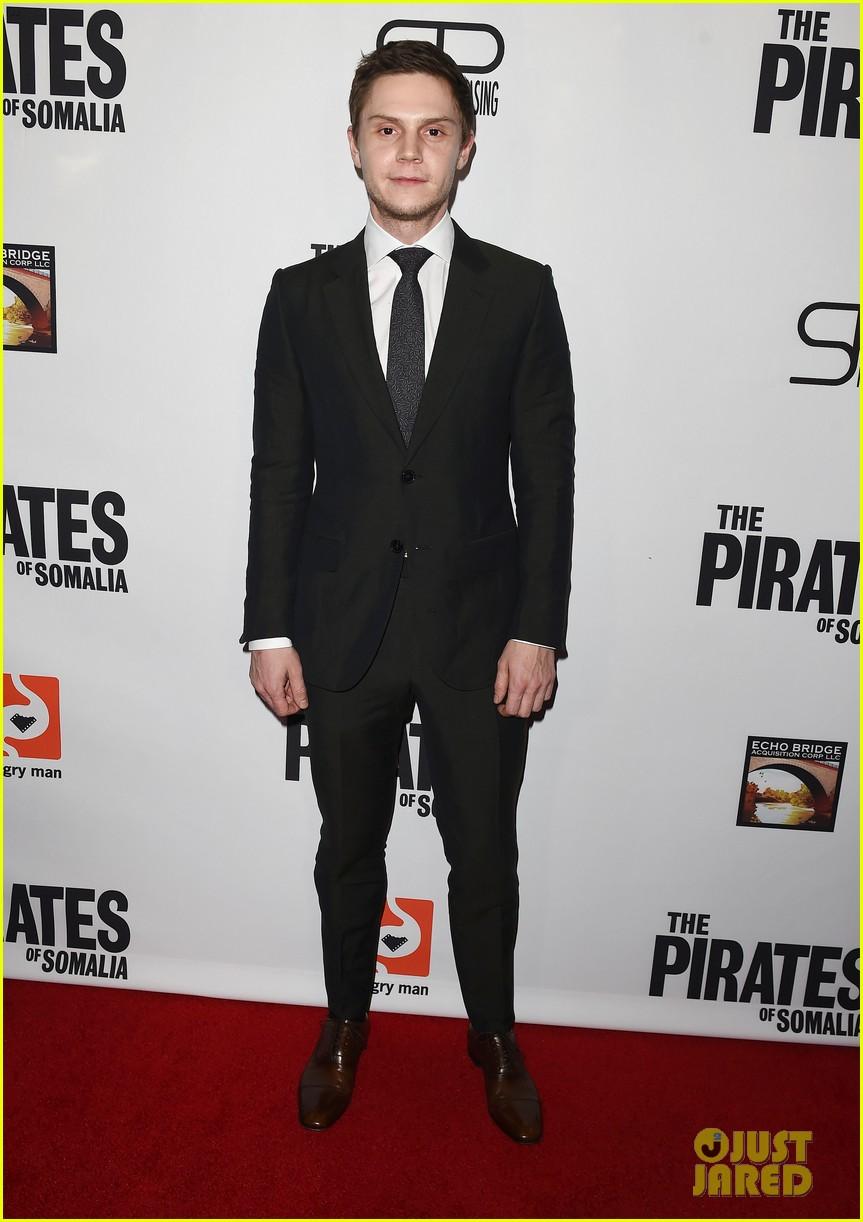 evan peters melanie griffith premiere the pirates of somalia in la 083998063