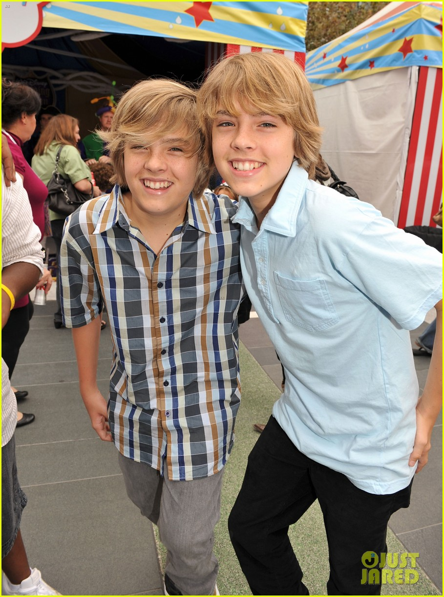 Dylan And Cole Sprouse 2018 Hookup