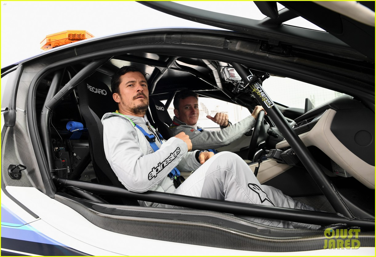 orlando bloom celebrates 41st birthday with racing in morocco 054014204