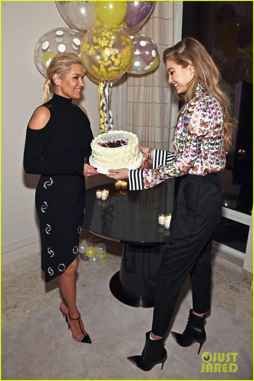 gigi bella hadid celebrate mom yolandas birthday at making a model premiere party 014013859