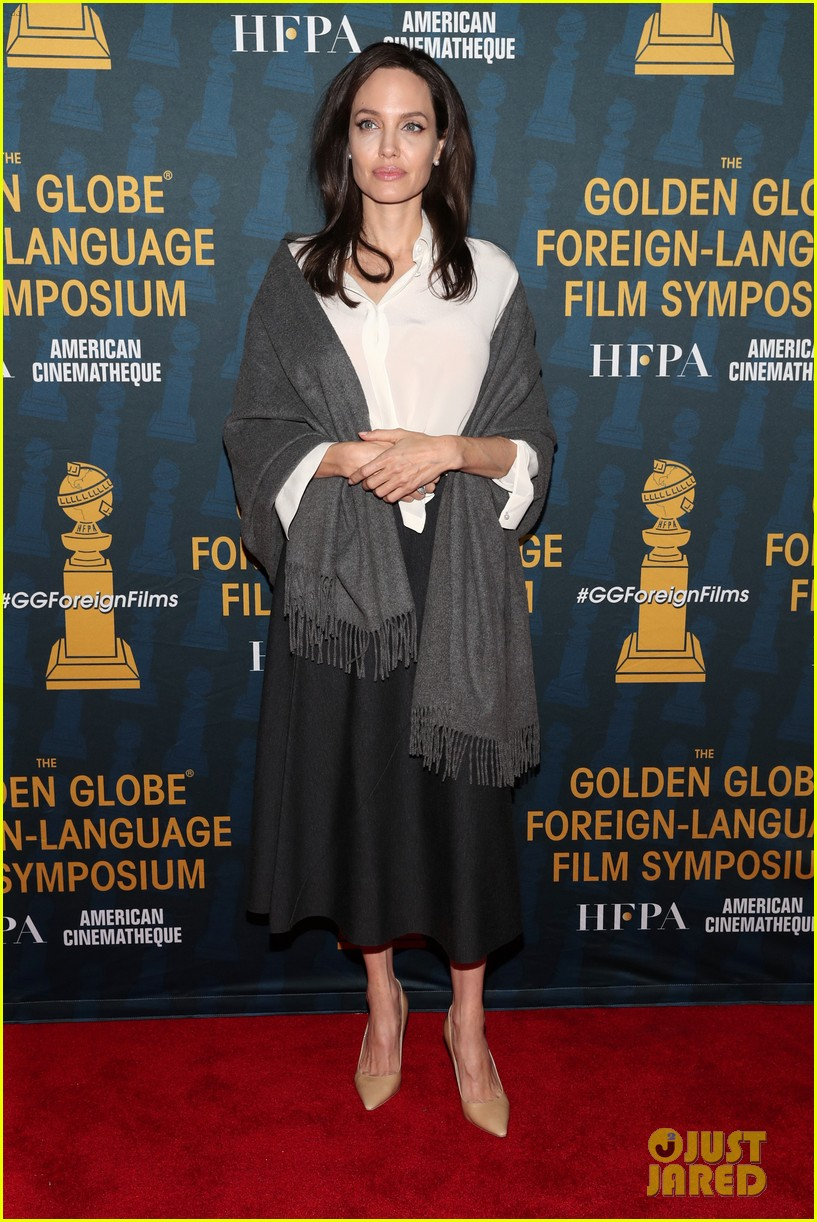 angelina jolie celebrates foreign language films ahead of the golden globes 034008578