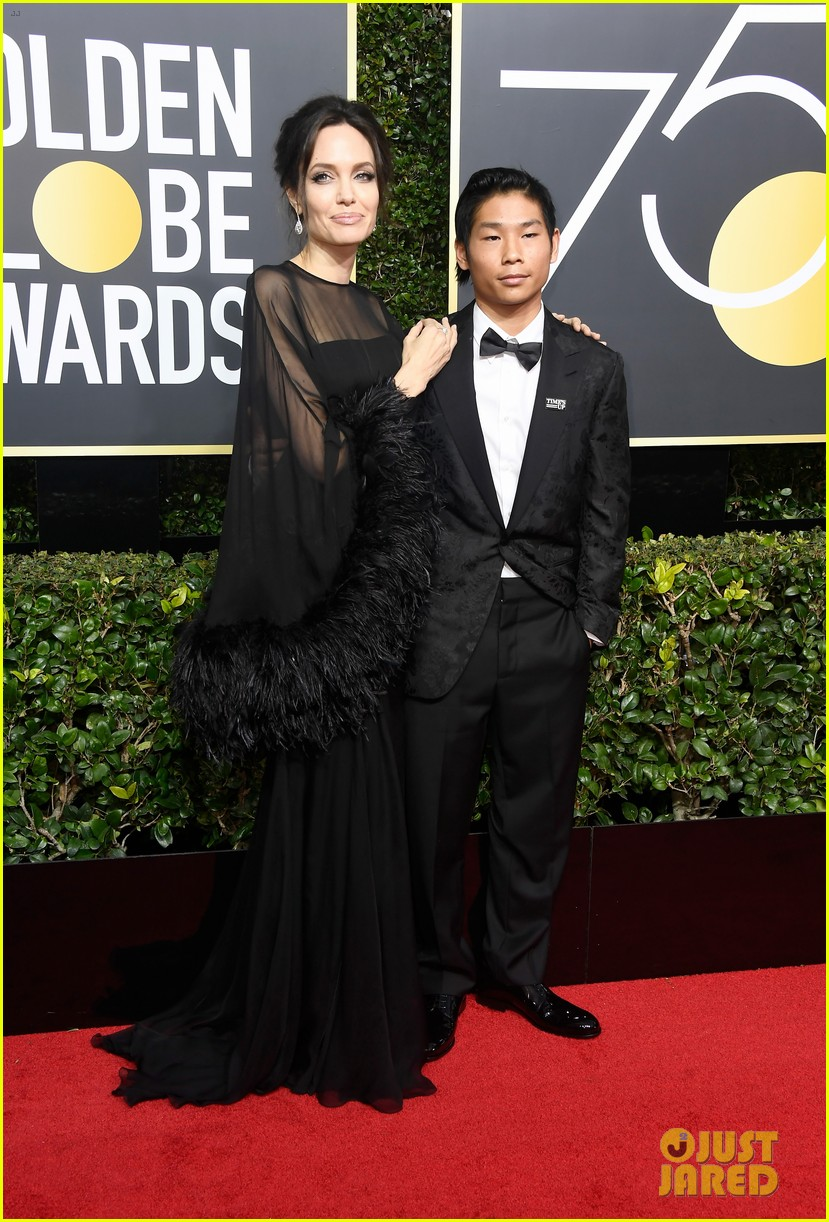 angelina jolie son pax wears times up pin golden globes 2018 014010332