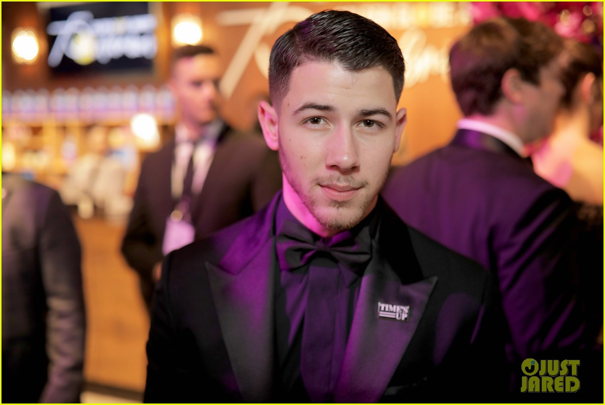 joe jonas nick jonas golden globes 2018 044010988