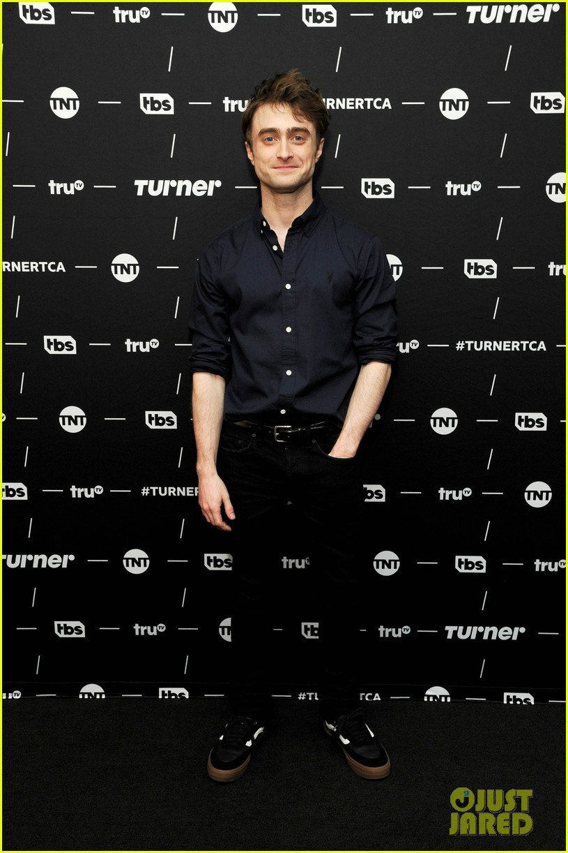 daniel radcliffe and steve buscemi bring miracle workers to winter tca tour 2018 024013489