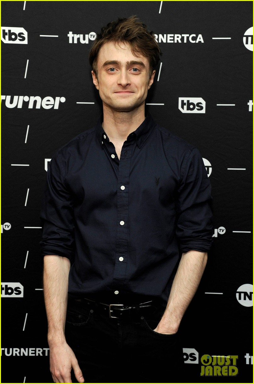 daniel radcliffe and steve buscemi bring miracle workers to winter tca tour 2018 044013491