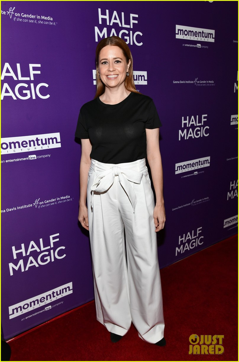 jenna fischer supports former co star anela kinsey at half magic premiere 08