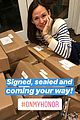 jennifer garner fulfills girl scout cookie orders for fans 04