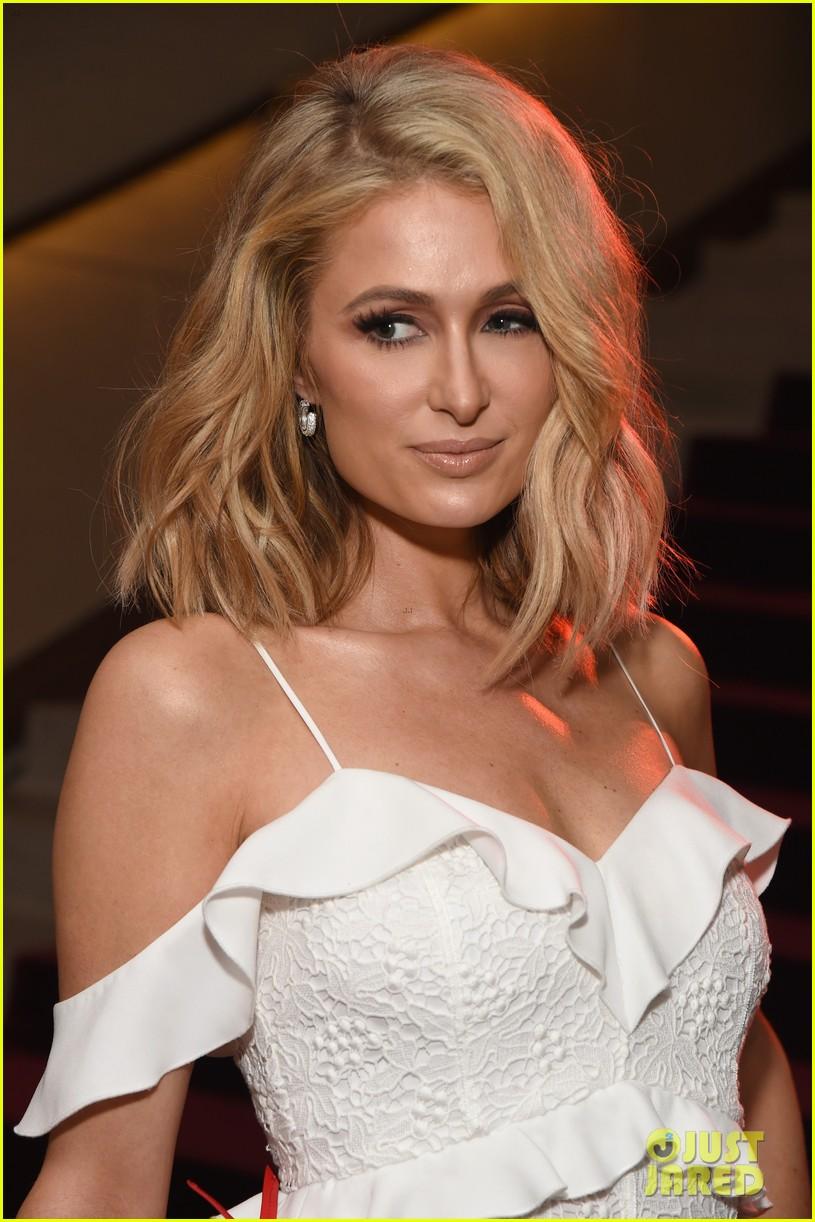 Kris Jenner Paris Hilton Buddy Up To Celebrate Rachel Zoes Fall