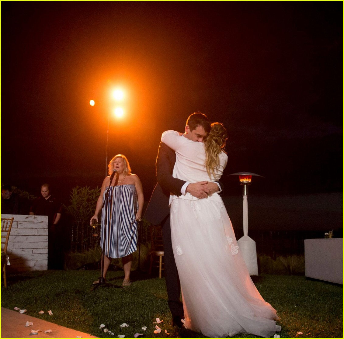 boda amy schumer vestido de novia maquillaje peinado