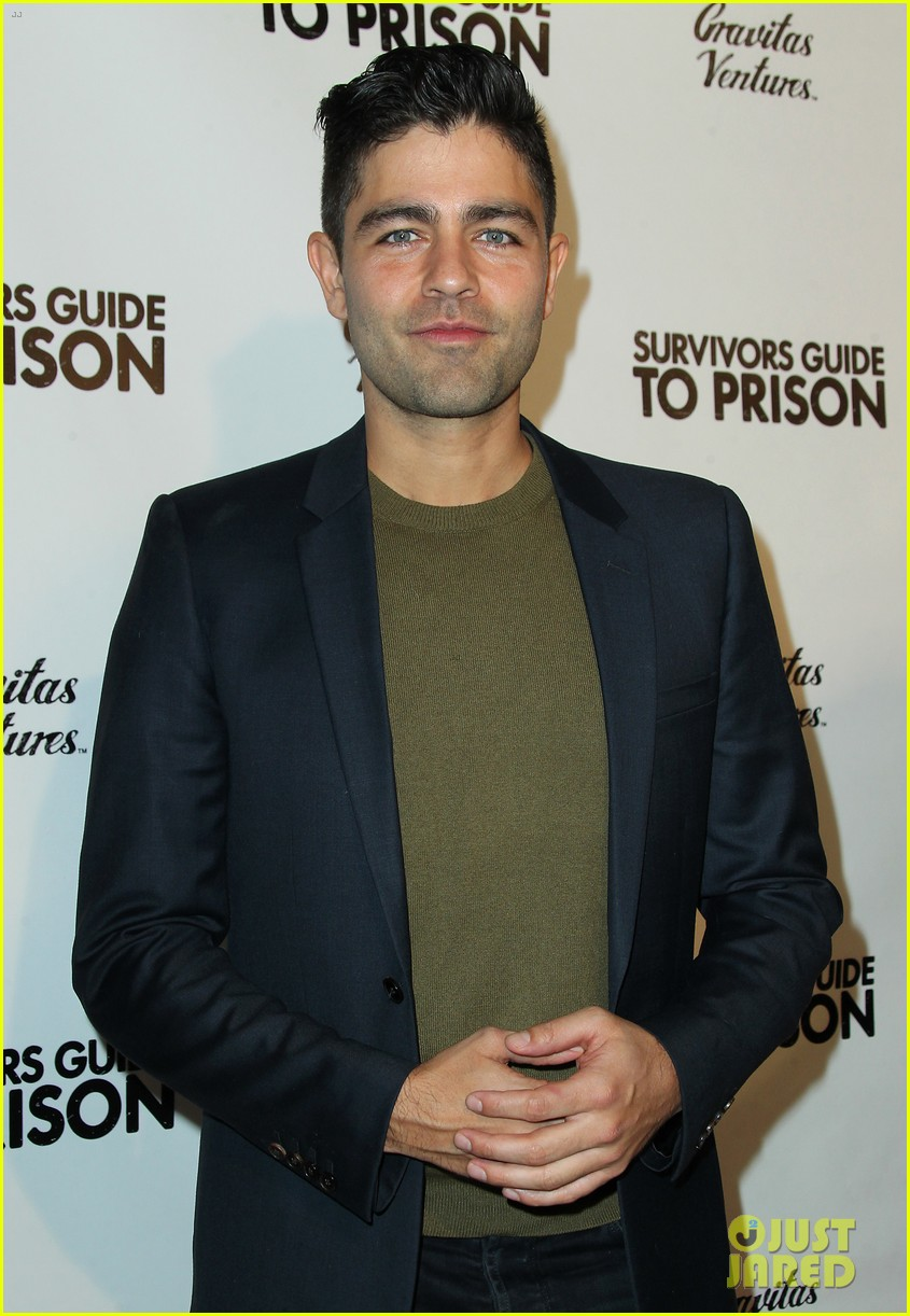 jesse williams adrian grenier buddy up at survivors guide to prison premiere 03