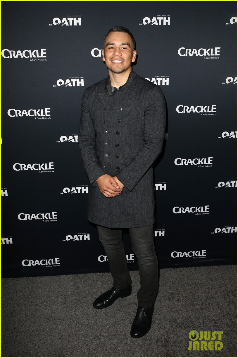 50 cent supports ryan kwanten the oath cast at l a premiere 16
