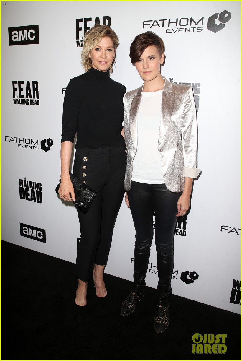 jenna elfman maggie grace more join forces at the walking deads survival sunday 06