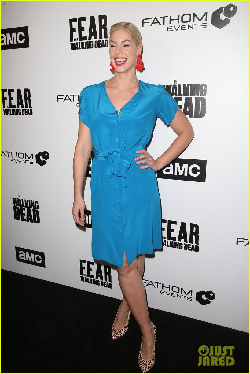 jenna elfman maggie grace more join forces at the walking deads survival sunday 10