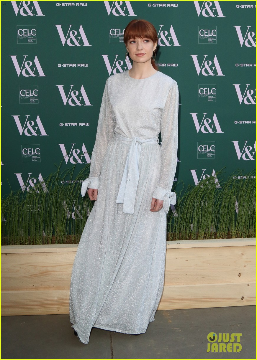 ellie goulding natalie imbruglia step out in style for va fashioned from nature vip preview 08