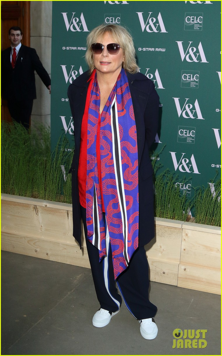 ellie goulding natalie imbruglia step out in style for va fashioned from nature vip preview 12