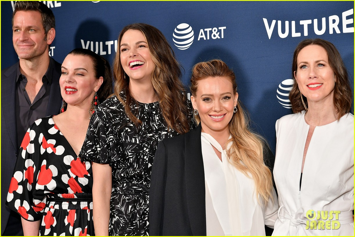 hilary duff maggie gyllenhaal juliana marguiles stop by vulture 04