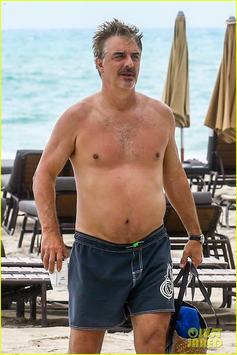 chris noth goes shirtless on the beach during miami vacation 04