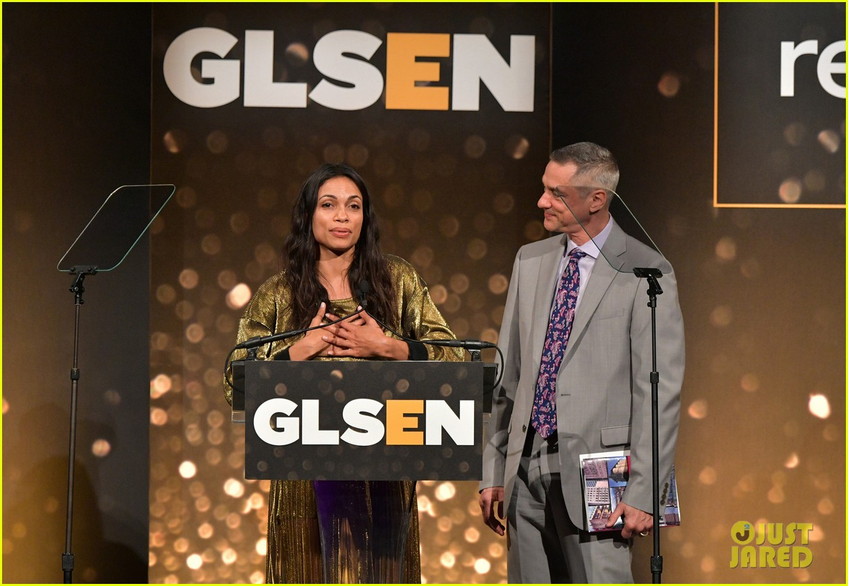 rosario dawson gets honored at glsen respect awards 08