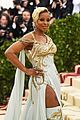 mary j blige sza bring the glamour to met gala 12