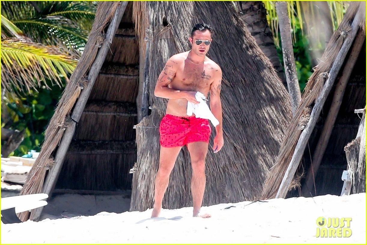 ed westwick shirtless beach photos 14