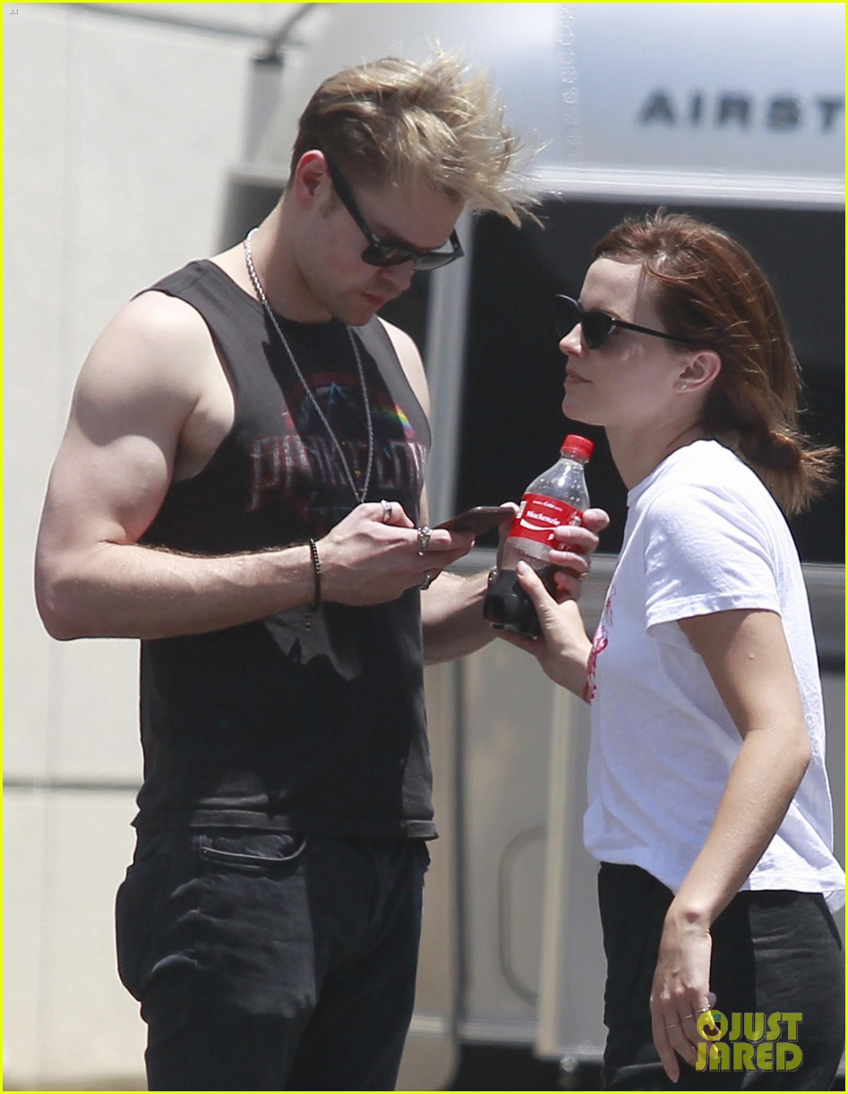 outlet store 659e4 5e613 Emma Watson & Chord Overstreet Kiss & Flaunt PDA in New ...
