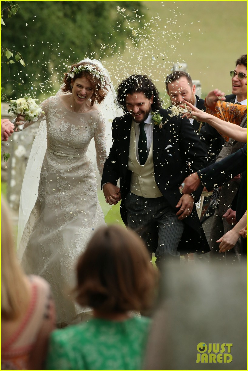 La famille GoT - Page 2 Kit-harington-rose-leslie-wedding-photos-11