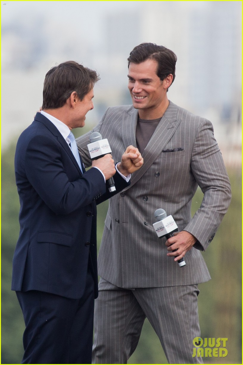 Tom Cruise & Henry Cavill Suit Up for 'Mission: Impossible