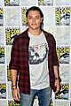 jamie chung skyler samuels stephen moyer bring the gifted to comic con 12