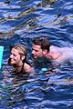 jeremy irvine and girlfrind jodie spencer hit the beach in positano 04