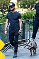 justin theroux puts his toned torso on display in tight t shirt 05