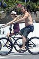 josh brolin goes shirtless for bike ride with pregnant wife kathryn boyd 06