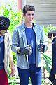 gregg sulkin uses his superpower gloves on runaways set 02