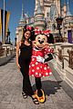 lily aldridge hangs out with minnie mouse at walt disney world01