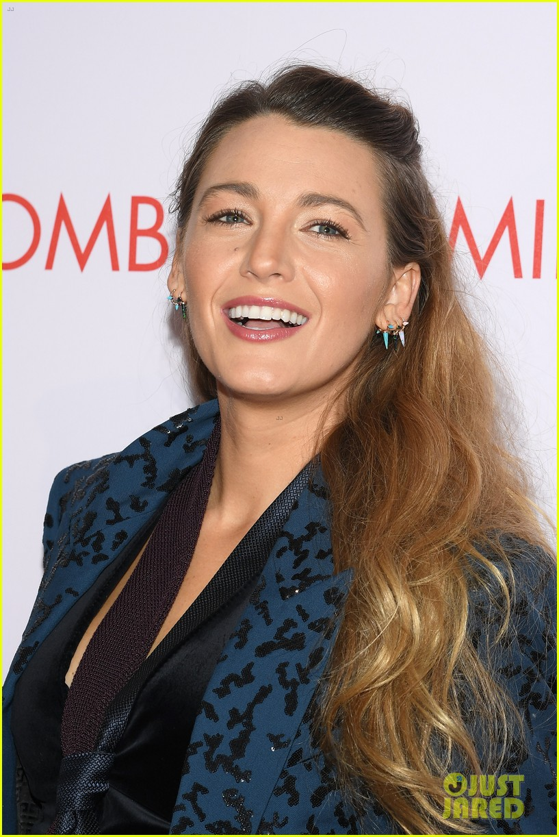 Blake Lively Anna Kendrick Bring A Simple Favor To Paris Photo