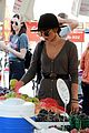 sarah hyland wells adams farmers market 20