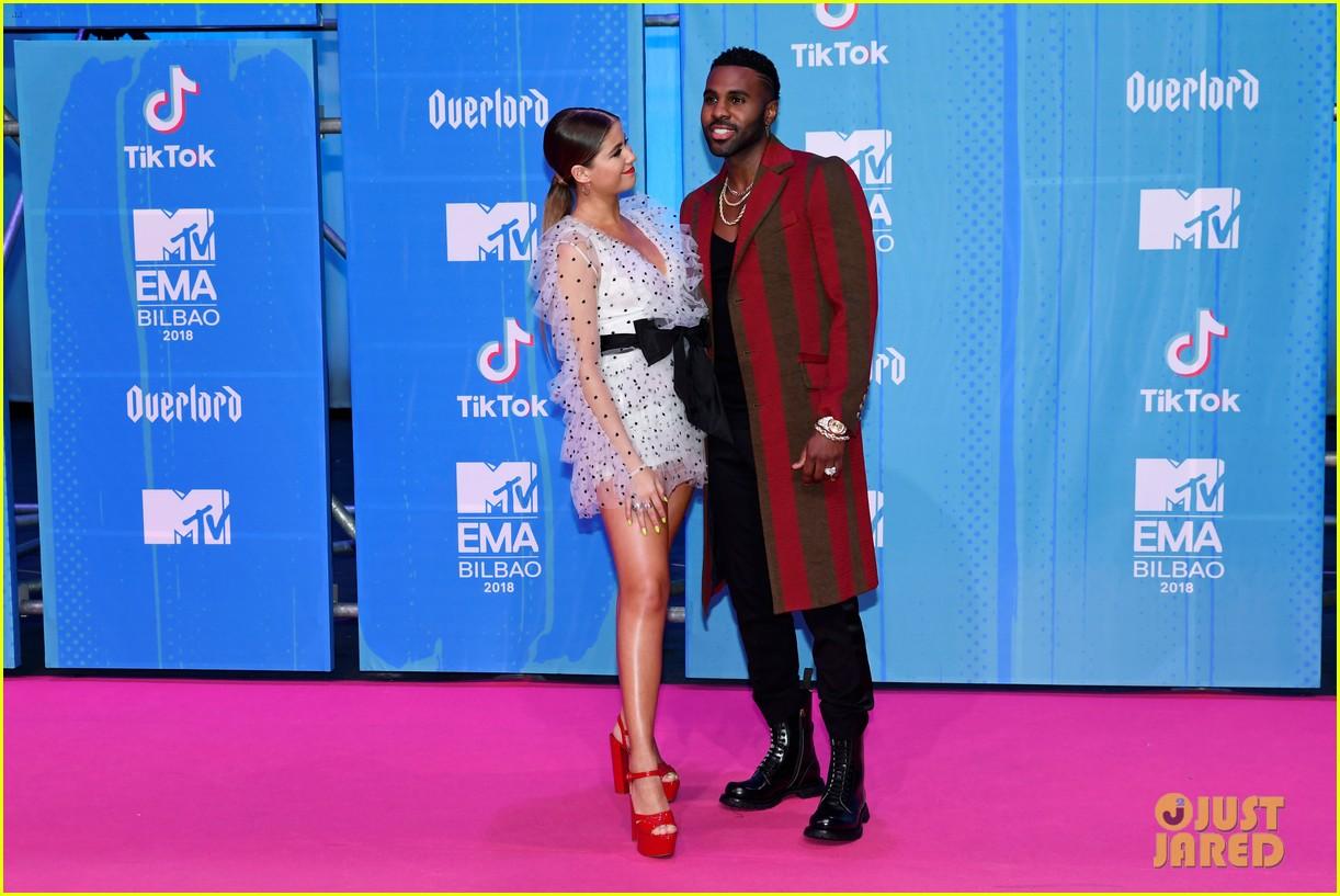 Jason Derulo & Sofia Reyes Step Out at MTV EMAs 2018!: Photo