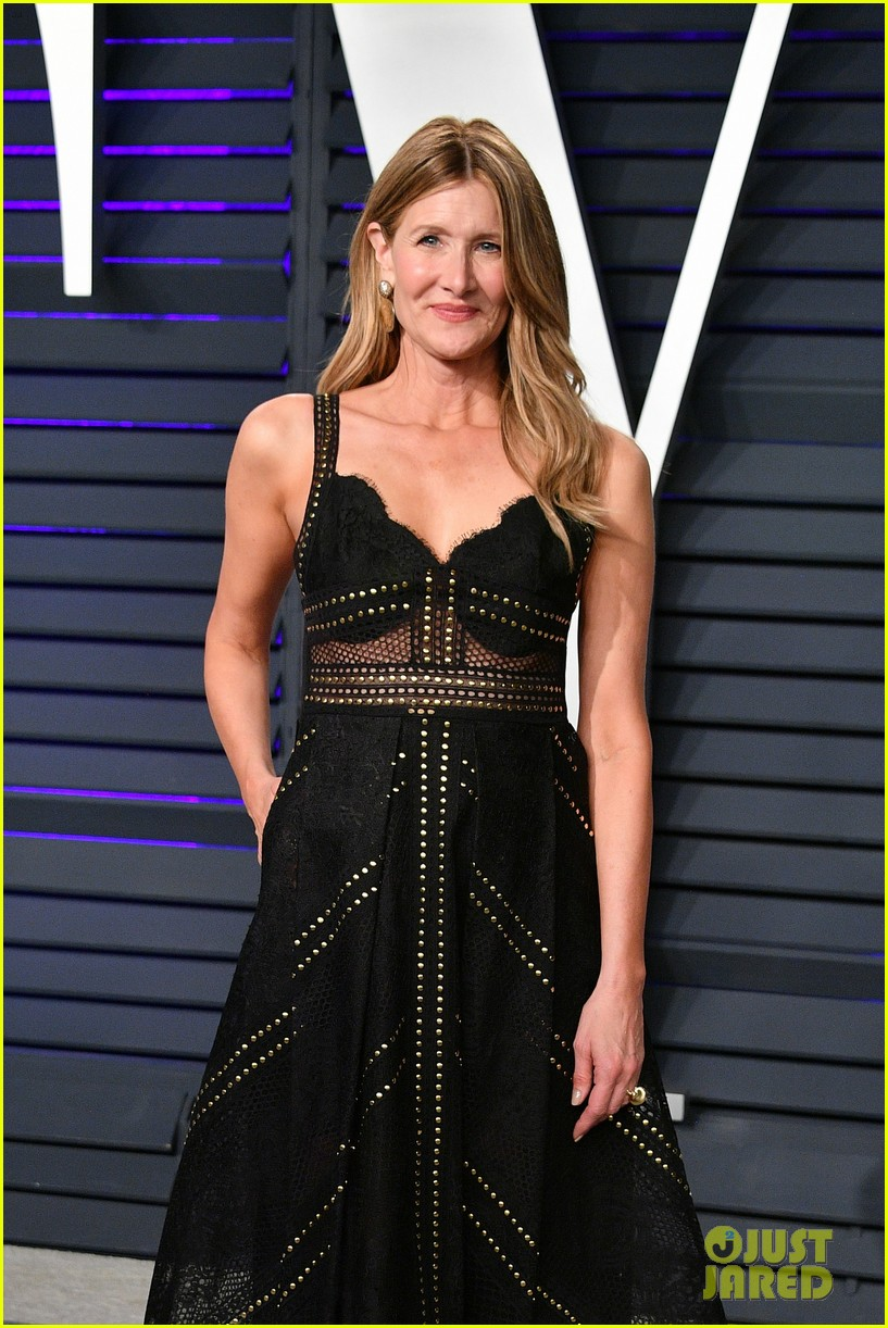 Laura Dern Minnie Driver Look Chic At Vanity Fairs Oscars Party