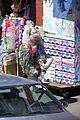 margot robbie harley quinn eats sandwich birds of prey 58