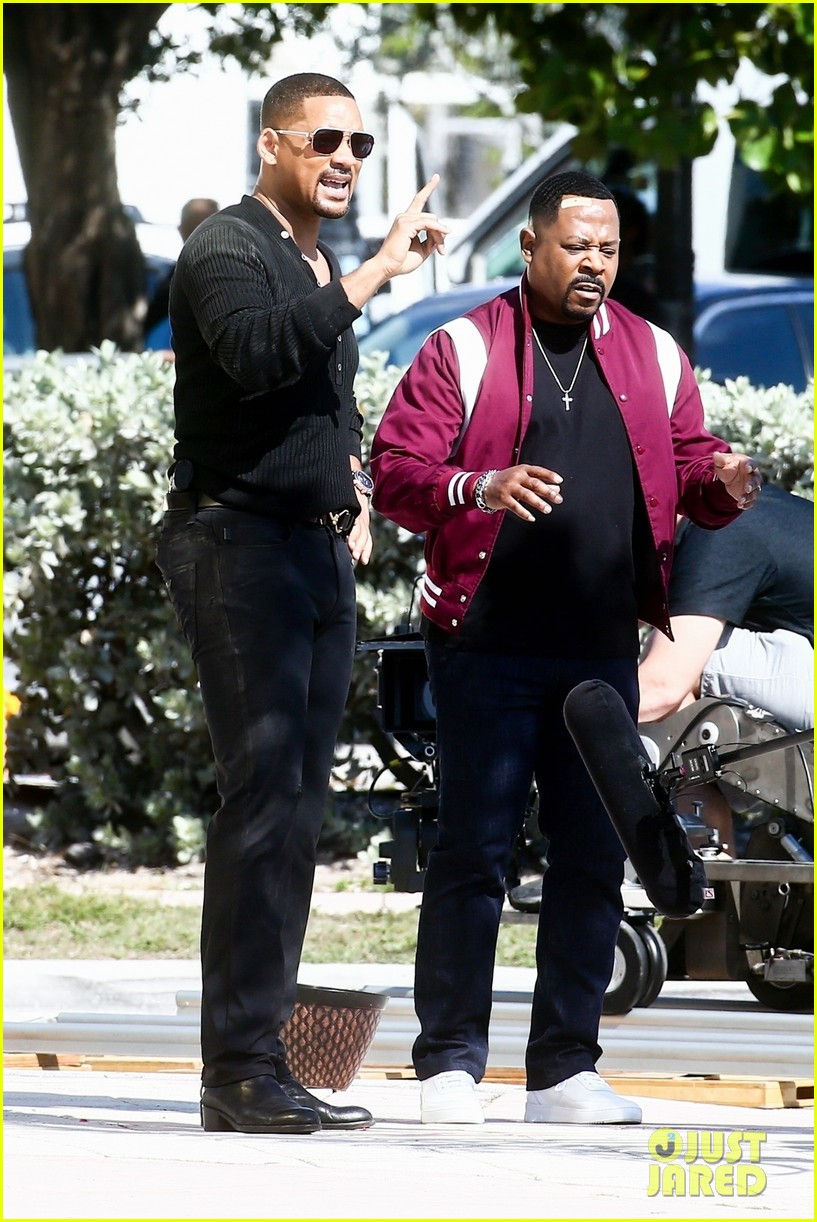 will smith shoots a bad boys action scene martin lawrence 014266179