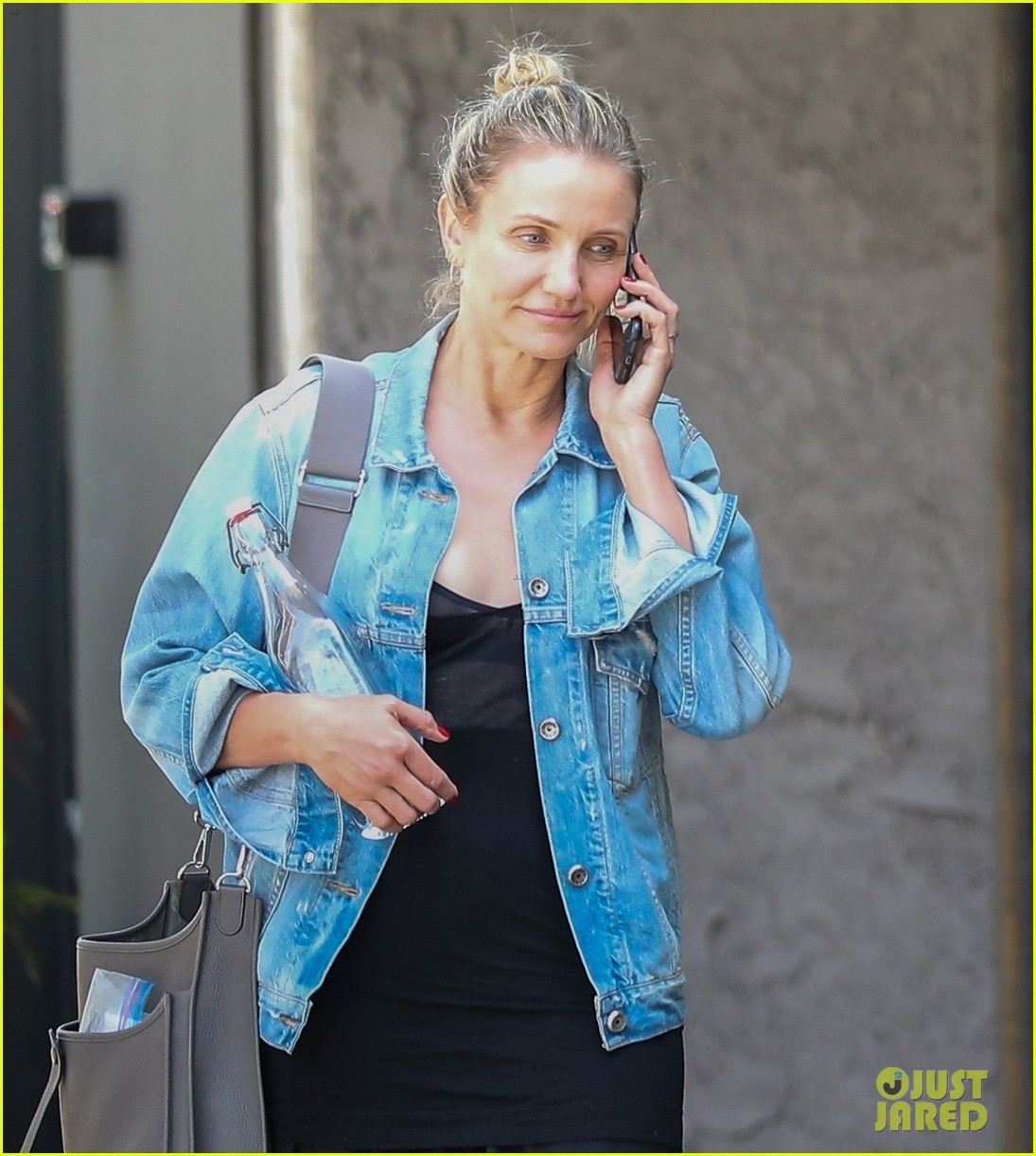 cameron diaz fresh faced after doctors appointment 024305230