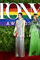 anna wintour attends tony awards 2019 with bee shaffer 01
