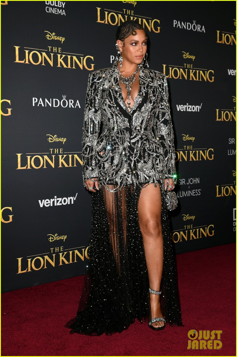 beyonce brings daughter blue ivy to the lion king premiere 014319733
