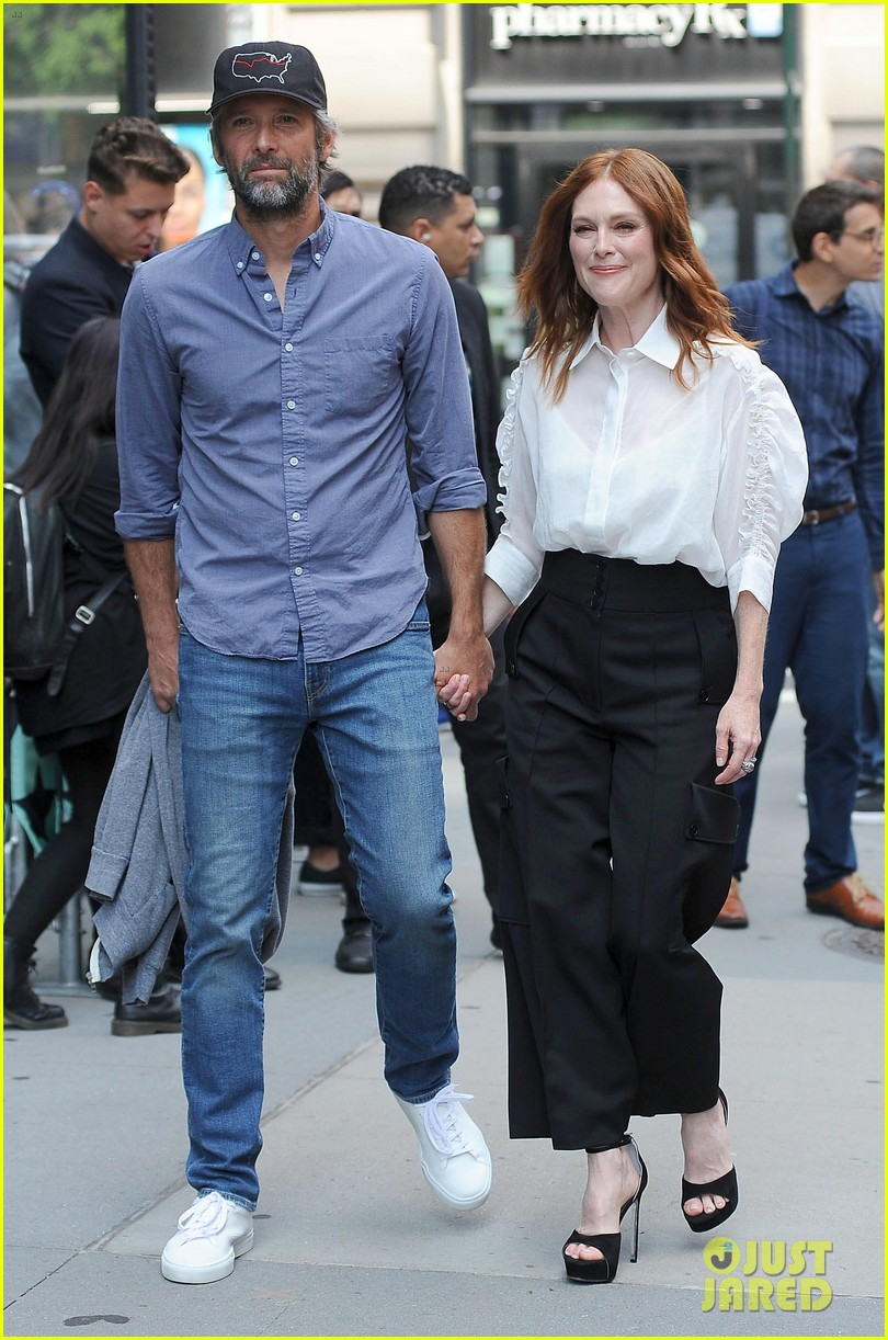 After The Wedding.Julianne Moore Talks Working With Husband Bart Freundlich On After